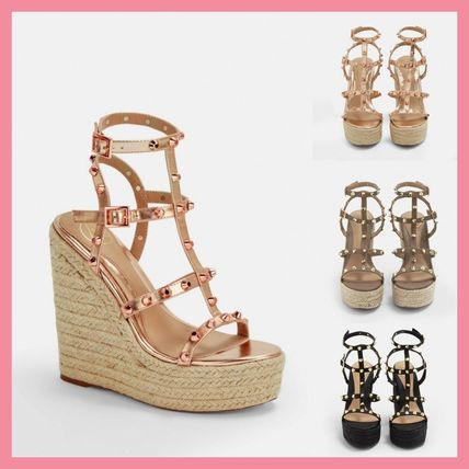 Open Toe Casual Style Studded Platform & Wedge Sandals