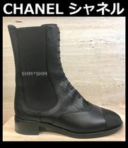 CHANEL TIMELESS CLASSICS Round Toe Rubber Sole Blended Fabrics Bi-color Plain Leather