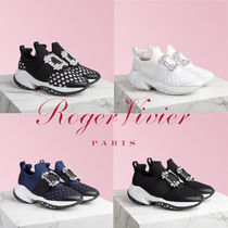 Roger Vivier Rubber Sole Blended Fabrics Elegant Style Low-Top Sneakers