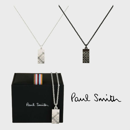 Necklaces & Chokers
