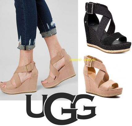 74218b3f5473 Open Toe Rubber Sole Casual Style Blended Fabrics Plain. UGG Australia