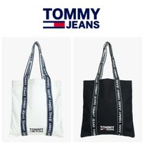 Tommy Hilfiger Unisex Street Style A4 Totes