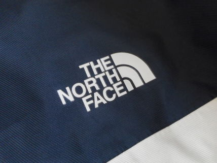THE NORTH FACE More Tops Street Style Tops 10