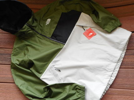 THE NORTH FACE More Tops Street Style Tops 11