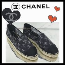 CHANEL SPORTS Monogram Casual Style Unisex Low-Top Sneakers