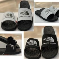 THE NORTH FACE Camouflage Sandals