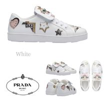 PRADA Star Plain Toe Casual Style Studded Leather Low-Top Sneakers