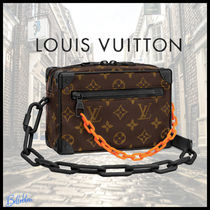 Louis Vuitton MONOGRAM Monogram Unisex 2WAY Leather Clutches