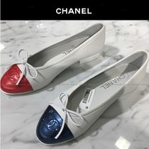 CHANEL Bi-color Leather Ballet Shoes