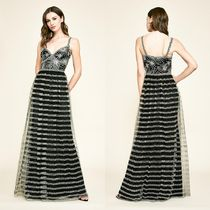 TADASHI SHOJI Sleeveless Long Party Style Lace Dresses