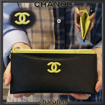 CHANEL ICON Lambskin Bi-color Plain Pouches & Cosmetic Bags