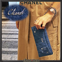 CHANEL ICON Flower Patterns Chain Plain Pouches & Cosmetic Bags