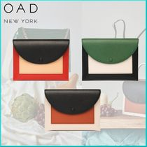 OAD NEW YORK 2WAY Plain Leather Elegant Style Clutches