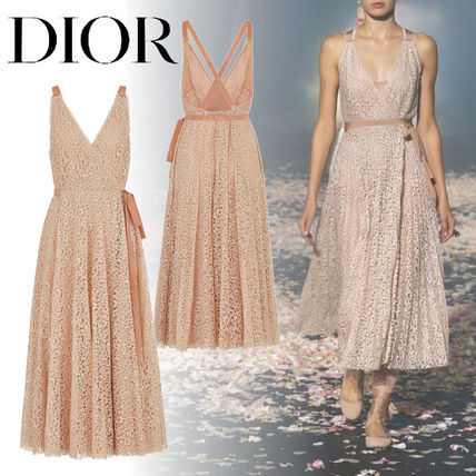 top-rated cheap Super discount sophisticated technologies Christian Dior 2019 SS A-line Blended Fabrics Sleeveless V-Neck Medium Lace  Dresses (921R10A8928_X4222)