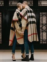 Burberry Tartan Street Style Ponchos & Capes