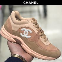 CHANEL Plain Toe Casual Style Suede Plain Low-Top Sneakers