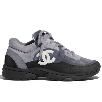 CHANEL Low-Top Plain Toe Casual Style Suede Plain Logo Low-Top Sneakers 2