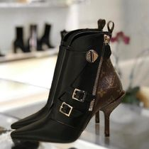 Louis Vuitton MONOGRAM Lv Janet Ankle Boot
