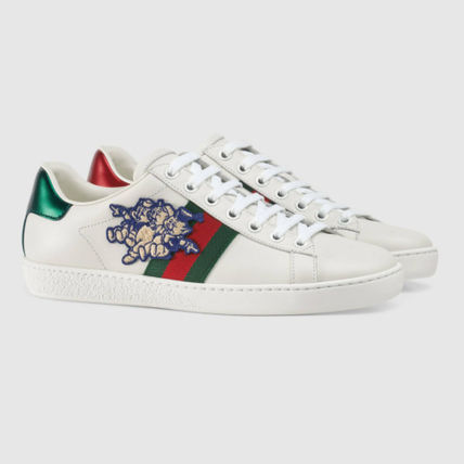 Ace sneaker with Three Little Pigs