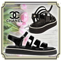 CHANEL Open Toe Plain Leather Footbed Sandals Elegant Style