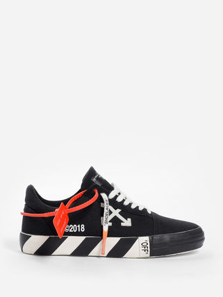 Off-White Low-Top Low-Top Sneakers 9