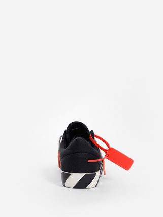 Off-White Low-Top Low-Top Sneakers 10