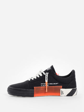 Off-White Low-Top Low-Top Sneakers 11