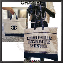 CHANEL ICON Unisex Lambskin Blended Fabrics A4 2WAY Bi-color Chain Totes