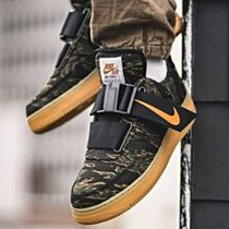 Nike AIR FORCE 1 Camouflage Collaboration Sneakers
