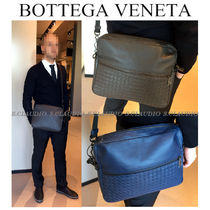 BOTTEGA VENETA Unisex Plain Leather Handmade Messenger & Shoulder Bags