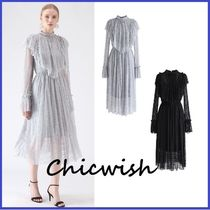 Chicwish Flared Medium Party Style High-Neck Lace With Jewels
