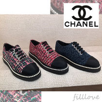 0f615731b17 CHANEL Lace-up Tweed Plain With Jewels Elegant Style