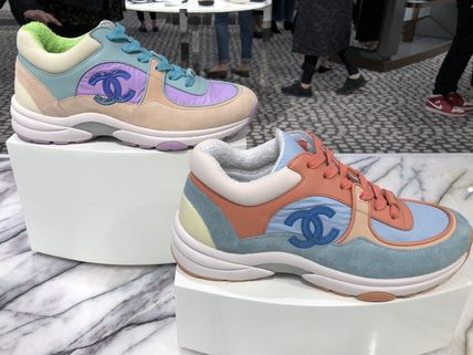 CHANEL 2019 Cruise Low-Top Sneakers