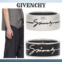GIVENCHY Street Style Rings