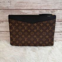 Louis Vuitton MONOGRAM Daily Pouch