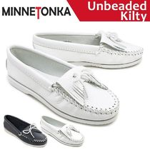 Minnetonka Moccasin Plain Leather Loafer & Moccasin Shoes