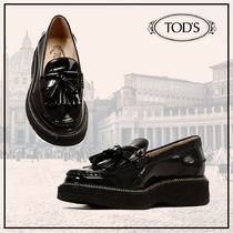 TOD'S Round Toe Tassel Plain Leather Fringes Loafer Pumps & Mules
