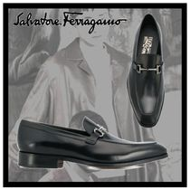 Salvatore Ferragamo Loafers Plain Leather V Tips Loafers & Slip-ons