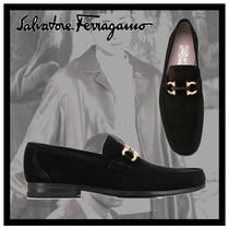 Salvatore Ferragamo Loafers Suede Plain V Tips Loafers & Slip-ons
