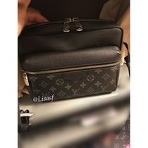 Louis Vuitton MONOGRAM Outdoor Messenger