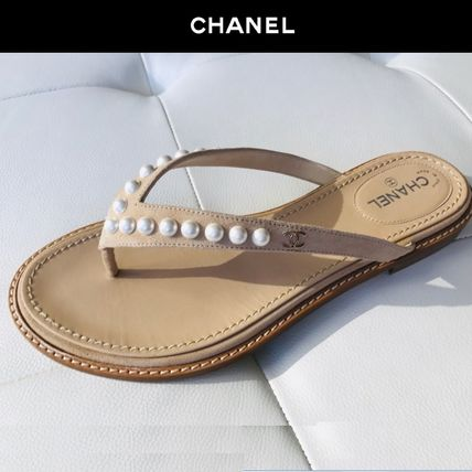 Plain Leather Flip Flops With Jewels Elegant Style