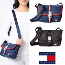Tommy Hilfiger Casual Style Shoulder Bags