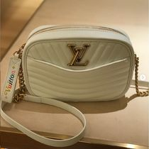 Louis Vuitton Blended Fabrics Bag in Bag Chain Plain Leather Elegant Style