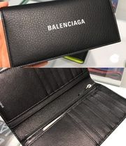BALENCIAGA EVERYDAY TOTE Long Wallets