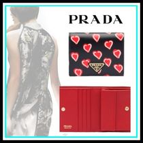 PRADA Heart Leather Home Party Ideas Folding Wallets