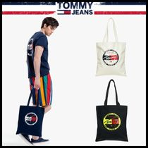 Tommy Hilfiger Shoppers