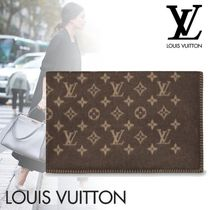 Louis Vuitton Unisex Blended Fabrics Throws