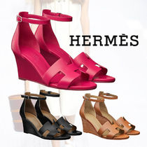 f59aaa1d5dd3 HERMES Open Toe Casual Style Plain Leather Platform   Wedge Sandals