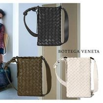 BOTTEGA VENETA Unisex Calfskin Street Style 2WAY Messenger & Shoulder Bags