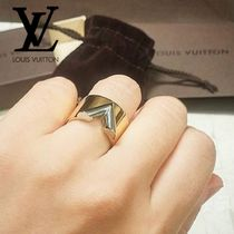 Louis Vuitton V Costume Jewelry Elegant Style Rings